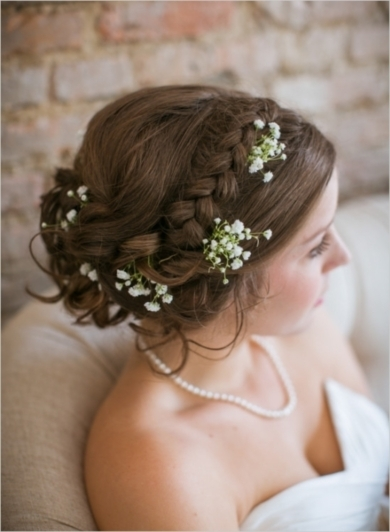 57_wedding-hair-accented-with-babys-breath-064cf52fc30c1911