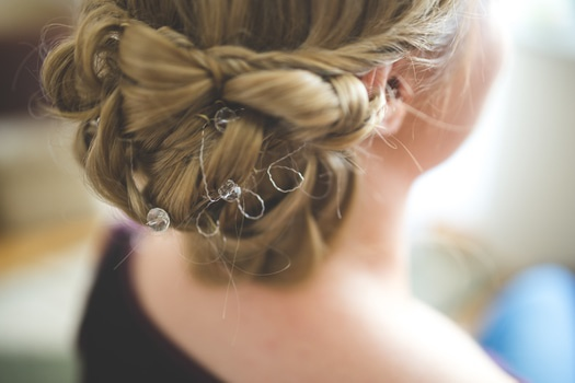 hairstyle-hair-wedding-bride-medium
