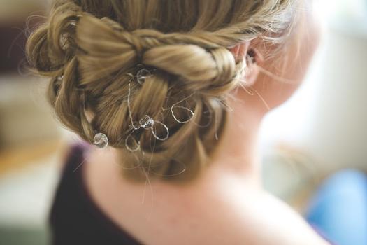 hairstyle-hair-wedding-bride-medium