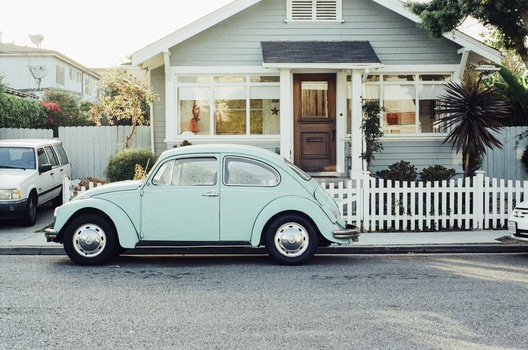 house-car-vintage-old-medium