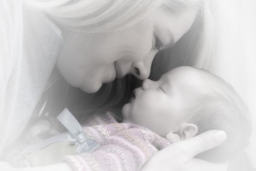 newborn-baby-mother-adorable-38535-medium