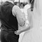 結婚式のマツエクはいつつける?ドレスに合うデザインは?