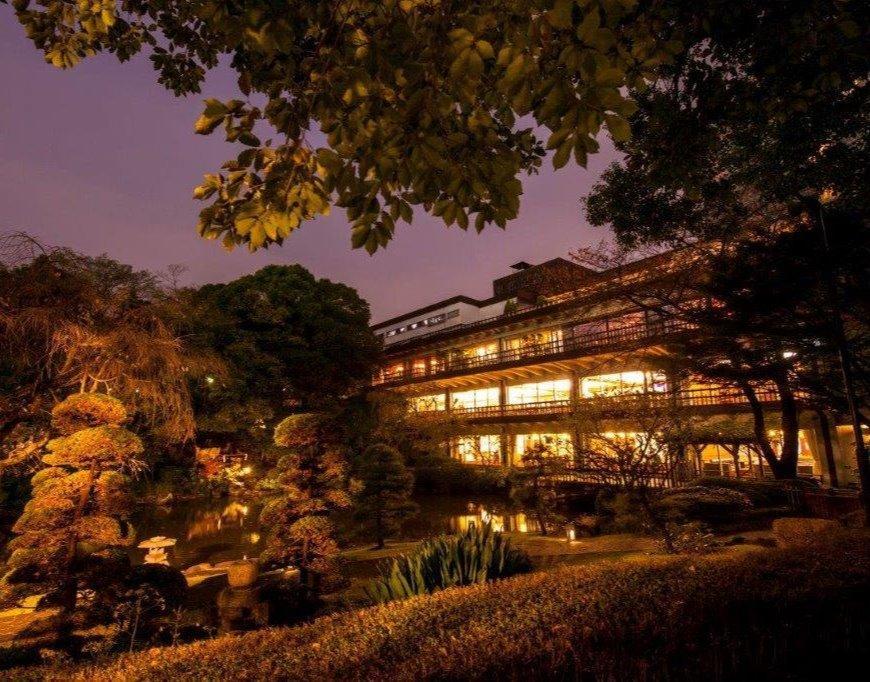 東郷神社(記念館)で結婚式した芸能人は?料理の口コミや費用を解説