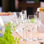 結婚式での乾杯のお礼をするときの相場ってどれくらい?