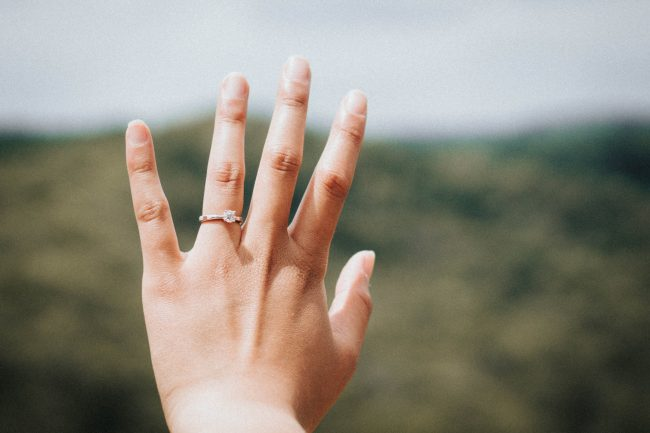プラチナ結婚指輪の安いブランド!シンプル&高品質ランキング10選