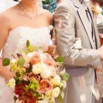 結婚式のスピーチは手紙形式でOKなの?使う便箋や渡すタイミングとは?