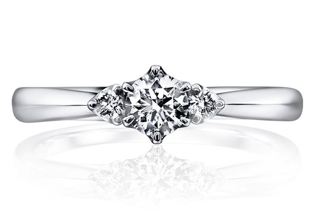 婚約指輪|トリニタ