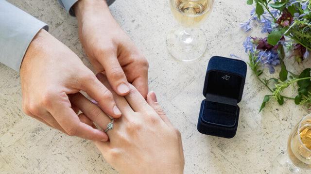 指輪ブランドの王様「カルティエvsティファニー」比較記事